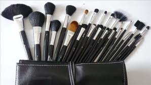 Make-Up Brushes For The Everywoman
