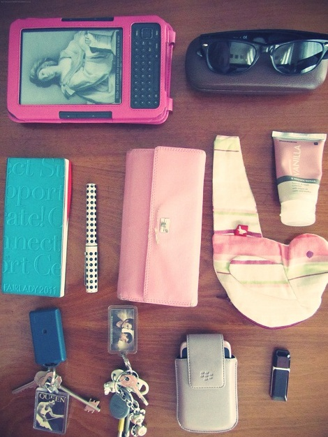 What's In Other Girl's Bags?